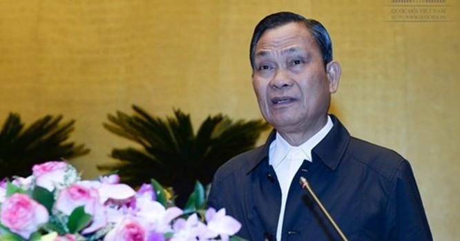 Bộ trưởng Bộ Nội vụ Nguyễn Thái Bình trình bày báo cáo tại hội nghị.