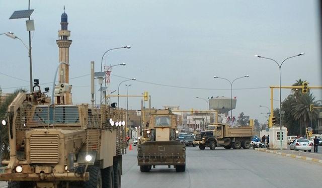 Lực lượng an ninh tuần tra tại thủ đô Baghdad. (Ảnh: Reuters)