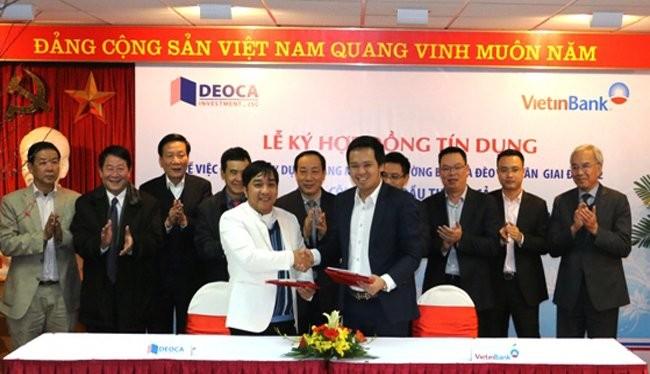 Lễ ký kết vay vốn mở rộng hầm đường bộ Hải Vân giữa Công ty cổ phần Đầu tư Đèo Cả và Ngân hàng Vietinbank - Ảnh: Bộ GTVT.