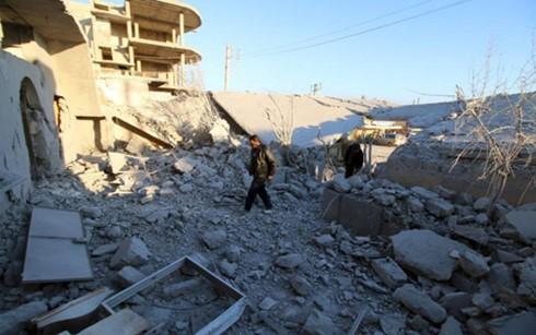 Một khu dân cư ở Aleppo tan hoang sau các cuộc giao tranh. (Ảnh: Reuters).