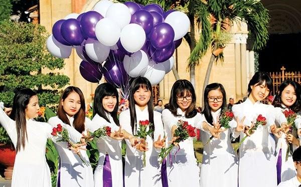 Giai đoạn dân số vàng của Việt Nam sắp qua đi trong khi giai đoạn lão hóa dân số đang gần kề. Ảnh: THÀNH HOA