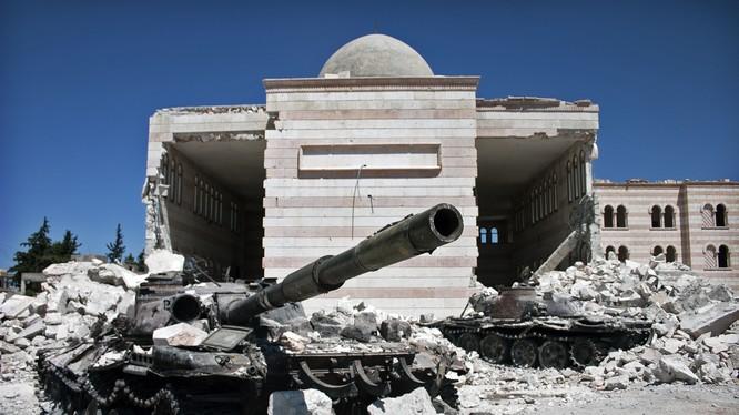 Video cuộc chiến hủy diệt chống IS tại Syria, những cảnh quay dữ dội từ drone