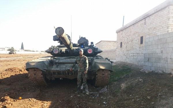 Video tổ hợp chống tên lửa lạ trên xe tăng quân chính phủ Sryia