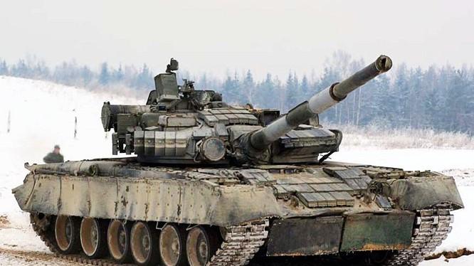 Xem sức mạnh một tiểu đoàn tăng T-80 Nga diễn tập trên thực địa
