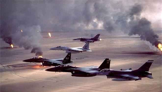 """Không quân Mỹ trong chiến dịch """"Bão táp sa mạc""""."""