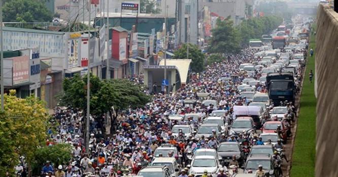 Cảnh tắc đường thường thấy tại Hà Nội. Ảnh:Bá Đô.