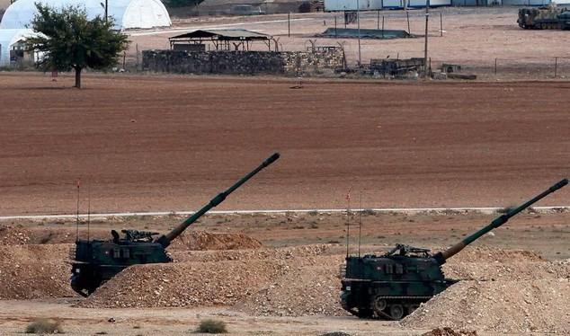 Thổ Nhĩ Kỳ nã pháo căn cứ không quân Menagh do người Kurd chiếm ở Syria