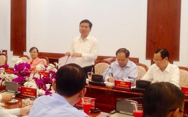 Bí thư thành ủy TP HCM Đinh La Thăng tại cuộc họp thành ủy đầu năm. Ảnh: SGGP