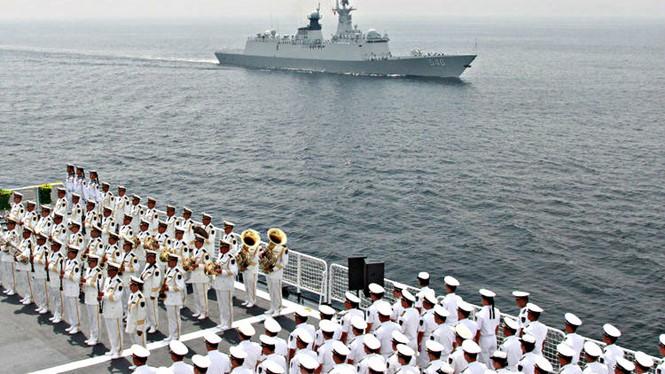 Hải quân Trung Quốc sẽ được phần nhiều của ngân sách quốc phòng cho các hoạt động ở Biển Đông - Ảnh minh họa: Bloomberg