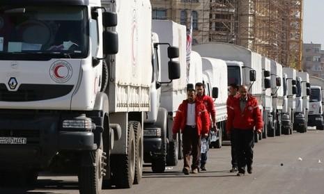 Đoàn xe chuyển hàng cứu trợ cho người dân Syria. Ảnh: AFP