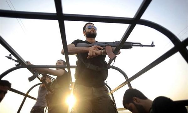 Lực lượng nổi dậy Syria được tăng viện sau thi thua đau trên chiến trường