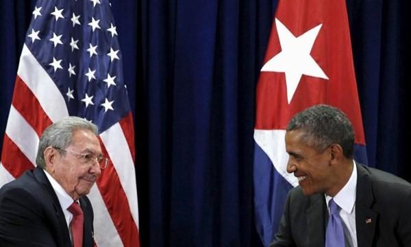 Tổng thống Obama và Chủ tịch Cuba Raul Castro tại cuộc họp của Đại hội đồng Liên Hợp Quốc năm 2015