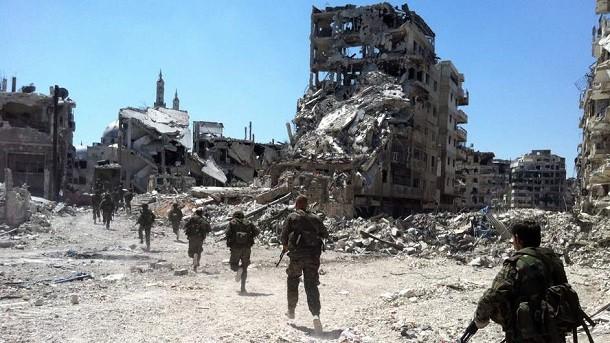 """Tin nóng 24: Ông Đinh La Thăng """"bán sữa"""" và gom ăn xin; """"Xét lại"""" vụ mua toa tàu cũ; """"Trung Quốc sẽ đưa tên lửa tới Trường Sa""""; 2.000 tay súng Thổ sang Syria"""