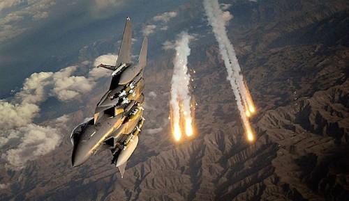 Máy bay Mỹ không kích IS ở Libya, hơn 40 người chết