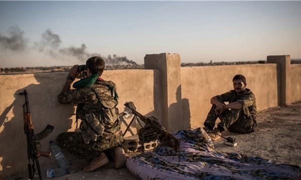 Những chiến binh của YPG đang bao vây Marea