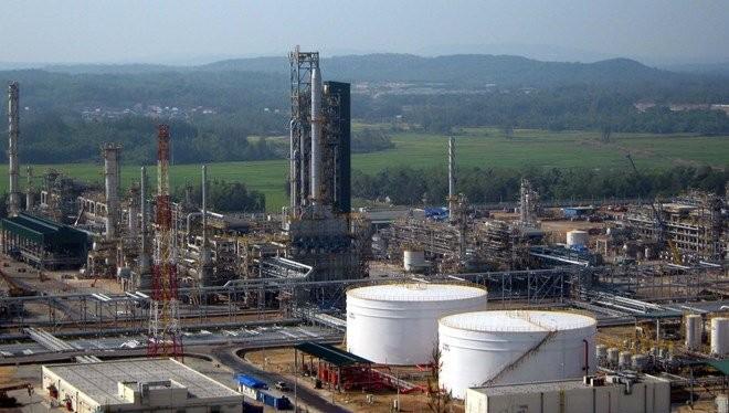 Nhà máy lọc dầu Dung Quất. Ảnh:TL