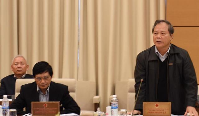 Chủ nhiệm Ủy ban pháp luật Phan Trung Lý phát biểu tại phiên họp (Ảnh: XH)