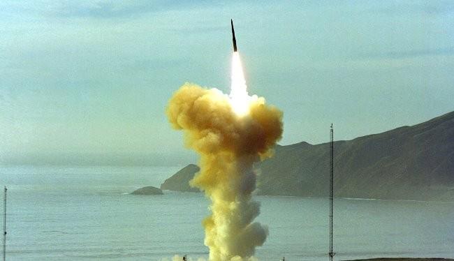 Một vụ phóng tên lửa Minuteman III của Mỹ.