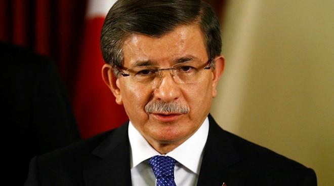 Ông Ahmet Davutoglu cáo buộc Nga muốn gây nên một cuộc khủng hoảng di cư ở Thổ Nhĩ Kỳ và châu Âu. Ảnh: Reuters