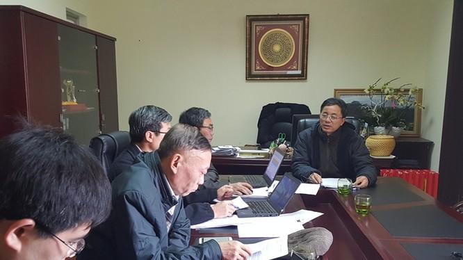 Ông Nguyễn Phi Truyền (ngoài cùng, bên phải) làm việc cùng Vụ Pháp chế (Tổng Cục Lâm nghiệp - Bộ NN&PTNT) vào sáng 1/3.