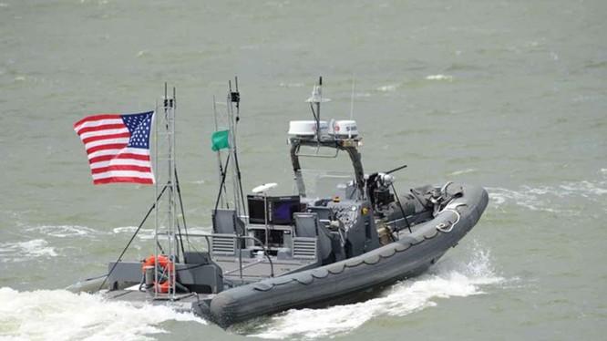 Tàu không người lái của Hải quân Mỹ, phục vụ chiến thuật bảo vệ kiểu bầy đàn cho các tàu lớn - Ảnh: Hải quân Mỹ