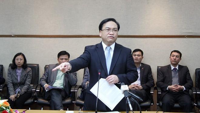 Bí thư Hà Nội Hoàng Trung Hải yêu cầu các ban ngành, đơn vị phải cải cách thủ tục hành chính, nếu không sẽ xem xét xử lý trách nhiệm người đứng đầu. Ảnh: Khánh An.