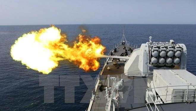 Tàu khu trục của hải quân Trung Quốc tham gia cuộc diễn tập. (Nguồn: THX/TTXVN)