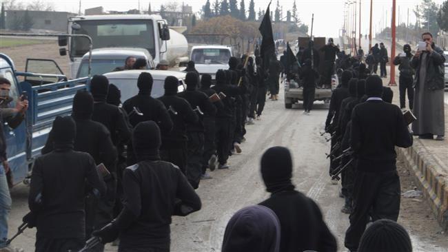 Những kẻ khủng bố trong thành phố Tal Abyad của Syria, gần biên giới với Thổ Nhĩ Kỳ năm 2014. (Nguồn: Reuters)