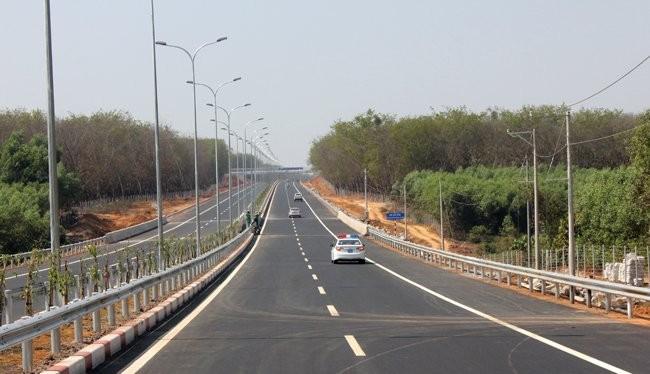 Đường cao tốc TPHCM - Long Thành - Dầu Giây đoạn đi qua địa phận tỉnh Đồng Nai. Ảnh: Anh Quân
