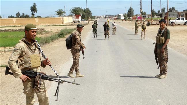 Lực lượng an ninh Iraq tuần tra tại phía Tây Ramadi. Ảnh: Reuters
