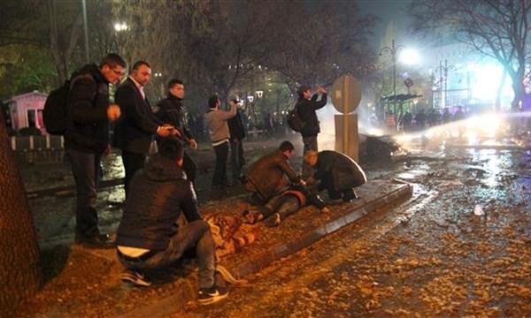 Video bom nổ ở trung tâm Ankara, nhiều nạn nhân thương vong