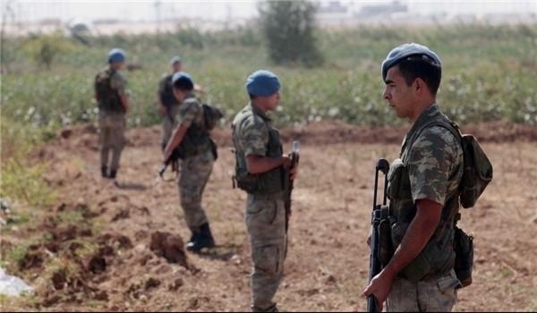 """Quân đội Thổ Nhĩ Kỳ đưa quân tràn sang đất Syria tạo """"vùng đệm"""""""