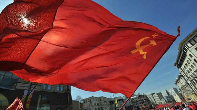 Đa số người Nga ủng hộ việc duy trì Liên bang Xô viết