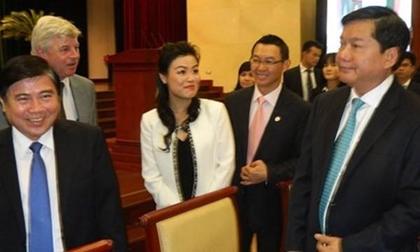 Bà Huỳnh Thị Lan Phương, phó tổng giám đốc VWS và lãnh đạo TPHCM tại hội nghị.