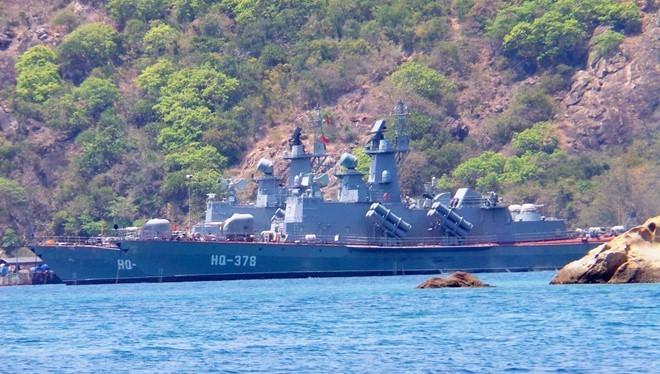 Tàu HQ-378 của hải quân Việt Nam neo đậu ở khu vực quân cảng Cam Ranh. Ảnh:Lê Quân