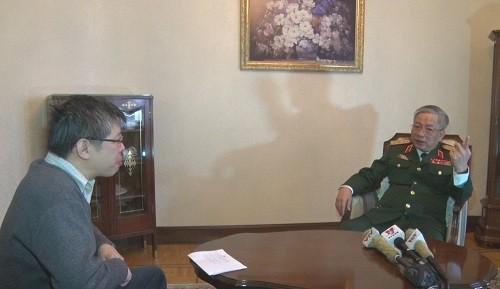 Thượng tướng Nguyễn Chí Vịnh trả lời phỏng vấn.