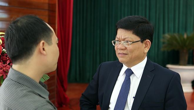 Ông Võ Công Trí, Phó Bí thư thường trực Thành ủy Đà Nẵng trả lời phỏng vấn của báo giới
