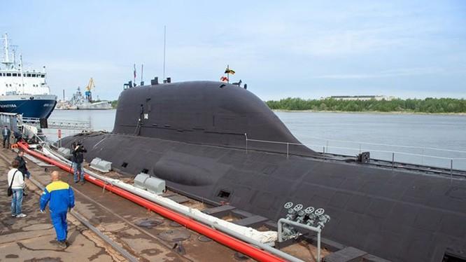 Đến nay Hải quân Nga mới chỉ nhận được 1 tàu ngầm tấn công hạt nhân lớp Yasen là chiếc Severodvinsk - Ảnh: Sevmash