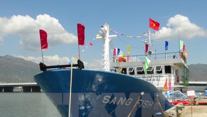 Tàu cá vỏ thép Sang Fish 01 trong ngày bàn giao cho ngư dân. (Ảnh: Nguyên Lý/TTXVN)