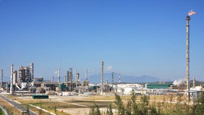 Sản phẩm xăng dầu rao bán cho Công ty lọc hóa dầu Bình Sơn cao hơn 10% so với xăng dầu nhập khẩu từ Hàn Quốc. (Ảnh minh họa: KT