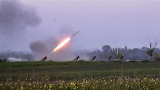 Phía Azebaijan sử dụng cả pháo phản lực đa nòng Grad trong các cuộc giao tranh vừa qua ở Nagorny-Karabakh. Ảnh: AP