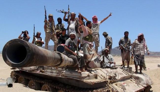 Video tên lửa của phiến quân Huthis diệt tăng Saudi trong sa mạc vùng Najran