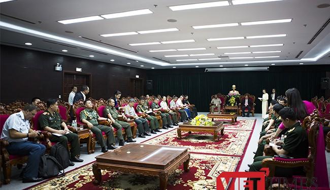 Đoàn tùy viên các nước tại buổi đón tiếp của UBND TP Đà Nẵng.