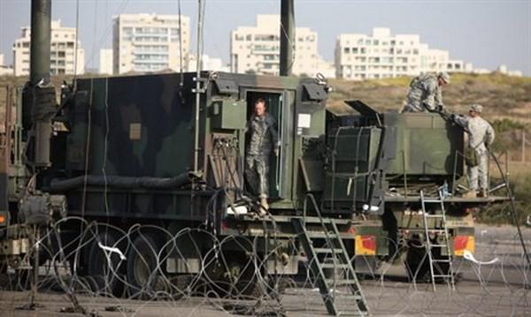 Sỹ quan Mỹ tại một căn cứ tên lửa gần Tel Aviv. (Nguồn: israelnationalnews.com)