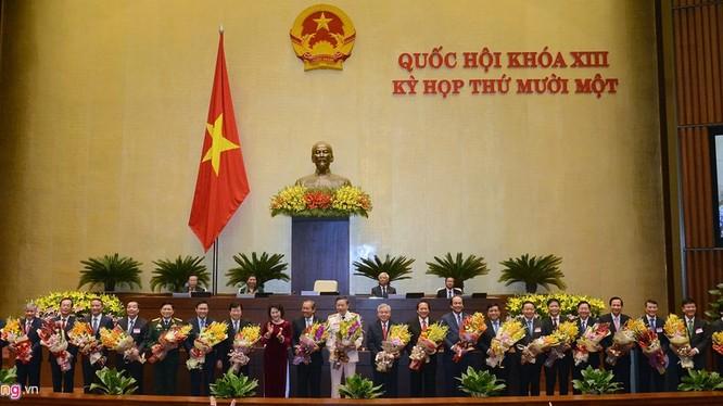 Chính phủ có 3 Phó thủ tướng và 18 Bộ trưởng mới