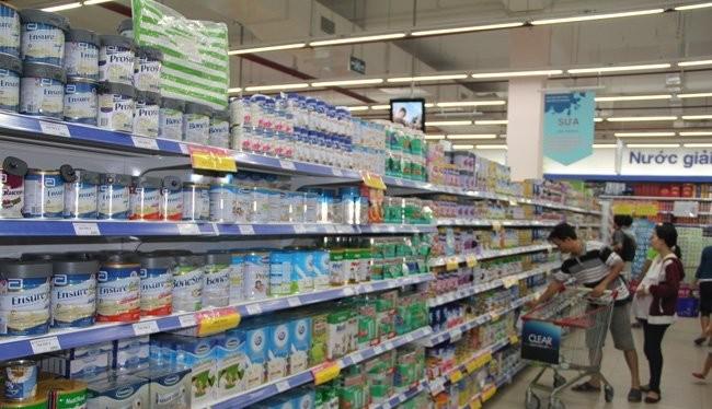 Nhóm hàng hóa tiêu dùng thường ngày bị người tiêu dùng khiếu nại nhiều nhất trong quí 1-2016, nhưng nhóm tài chính, ngân hàng và bảo hiểm cho thấy gia tăng về vụ khiếu nại. Ảnh minh họa: Quốc Hùng