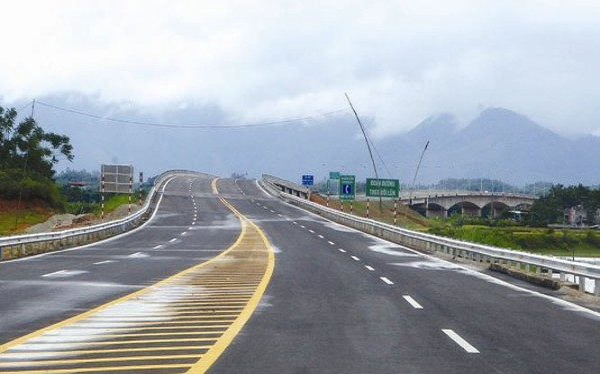 Một đoạn cao tốc Hà Nội - Lào Cai. Ảnh: Minh Khuê