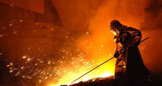 Ngoài nước thải độc, cứ 1 tấn thép ra lò ở Formosa, sẽ thải ra hơn nửa tấn chất thải rắn, 2,3 tấn khí độc, gây bụi kim loại và mưa axit