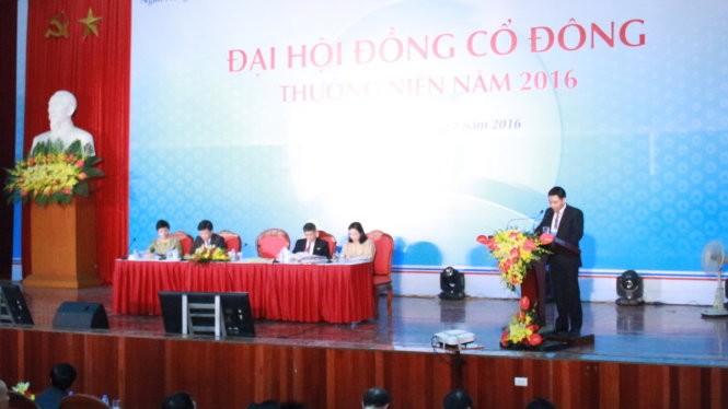 Đại hội cổ đông tại đại hội đồng cổ đông thường niên năm 2016 của Ngân hàng Vietinbank - Ảnh: Lê Thanh