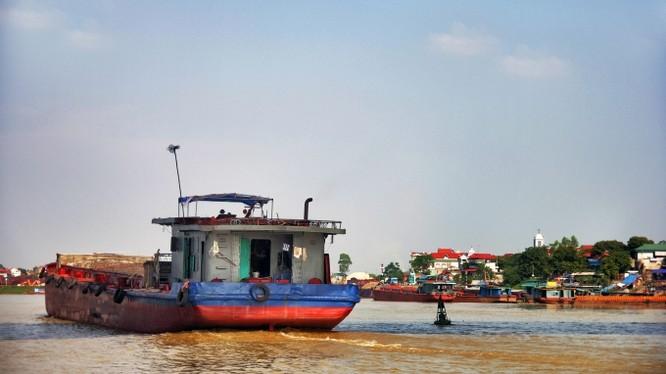 Dự án giao thông thủy xuyên Á trên sông Hồng (đoạn Việt Trì - Lào Cai) sẽ mang lại lợi ích về giao thông, điện khí hóa và là động lực chính để phát triển kinh tế xã hội